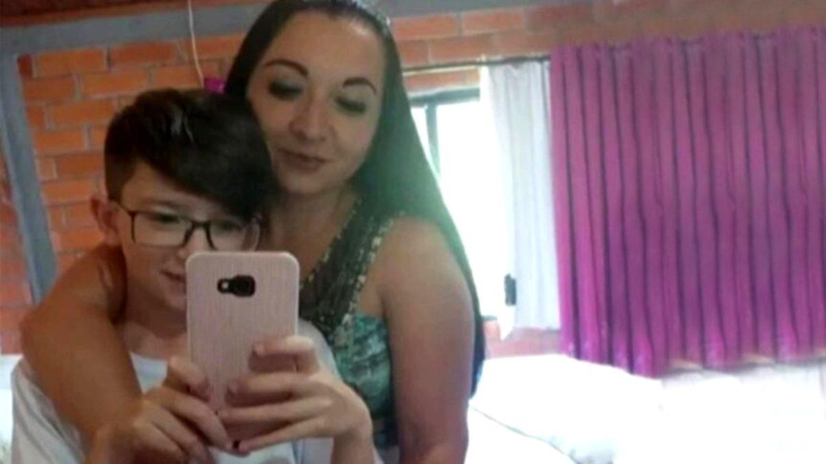 11 yaşındaki oğlunu telefonla çok fazla oynadığı için çamaşır ipiyle boğarak öldürdü