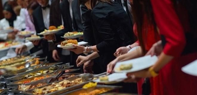 Bozcaada'da yemek yiyecek yer dahi kalmadı!