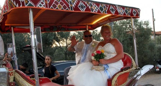 İngiliz çifte Türk düğünü