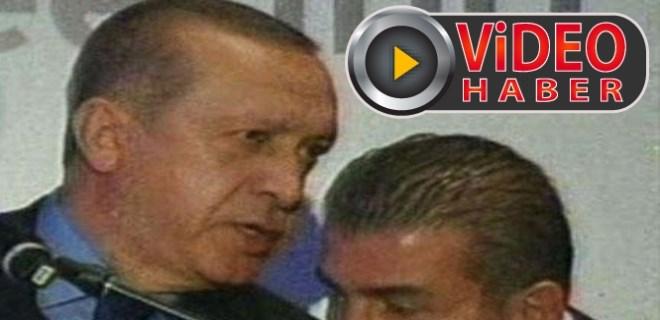 Cumhurbaşkanı Erdoğan konuşurken salon karıştı