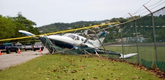 Danimarka'da uçak düştü!