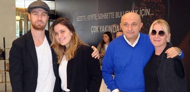 Engin ailesi AVM'de tesadüfen karşılaştı
