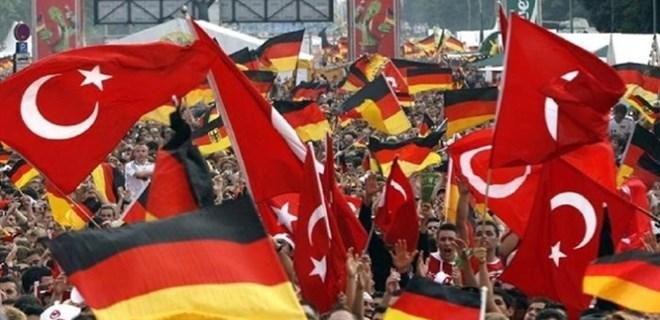 Terör destekçisi Almanya buzları eritiyor