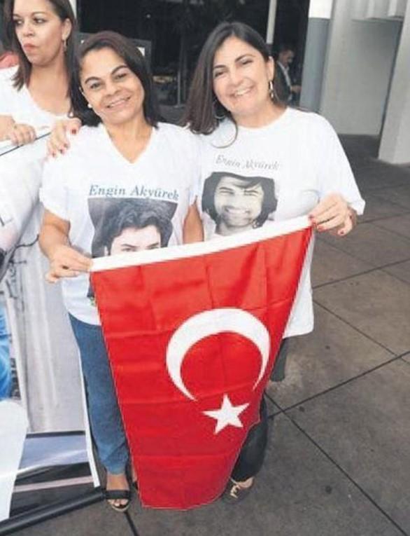 Brezilyalı kadınların Engin Akyürek günü