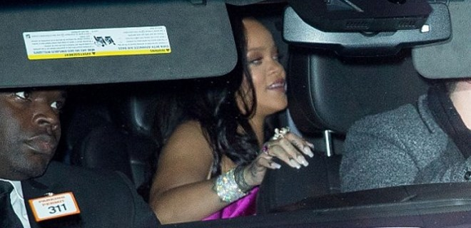 Rihanna'dan 'çok gizli' parti!