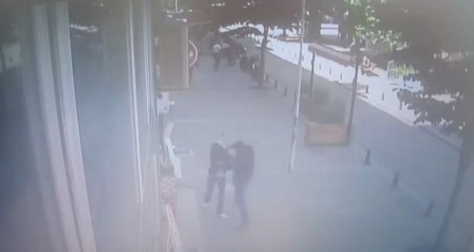 Karısını döven adama meydan dayağı