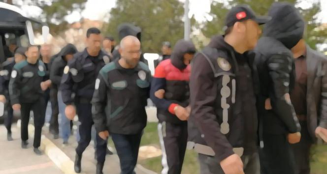 FETÖ yapılanmasında 23 gözaltı kararı