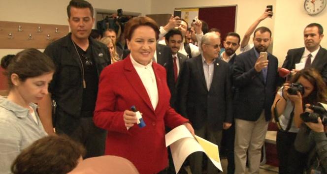 Meral Akşener sandığa İstanbulda gitti
