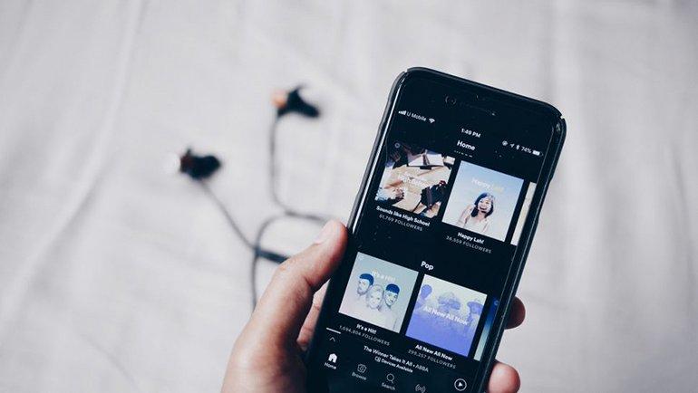 Apple Music, Spotify'ı 'geçti'