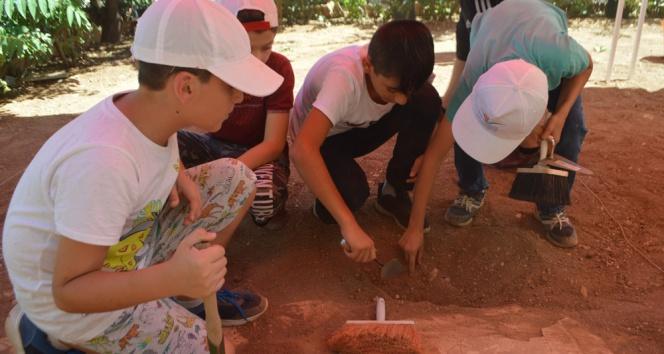 Mardinde çocuk arkeologlar iş başında