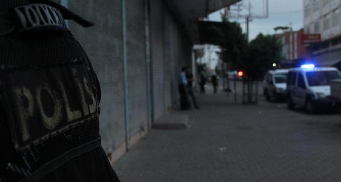 Teröristler polisle çatıştı: Etkisiz hale getirildiler