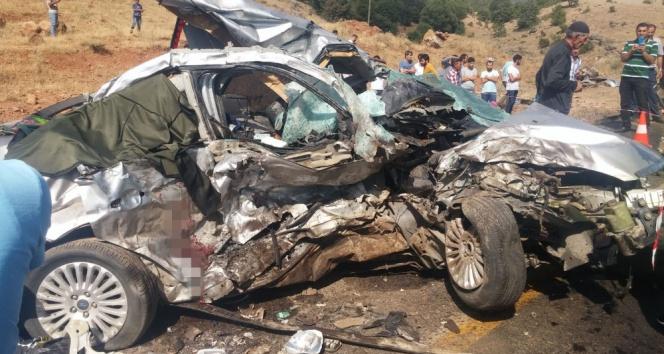 Bingölde feci kaza: 5 ölü, 10 yaralı