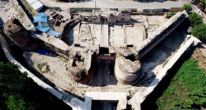 İstanbul Kapının altında taş ipek yolu bulundu
