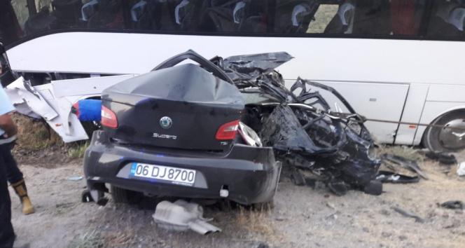 Katliam gibi kaza: 4 ölü, 13 yaralı