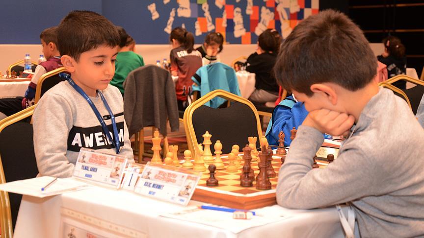 Geleceğin Ustası: Puan Kaybetmeden Türkiye Satranç Şampiyonu Olan 7 Yaşındaki Baver Yılmaz