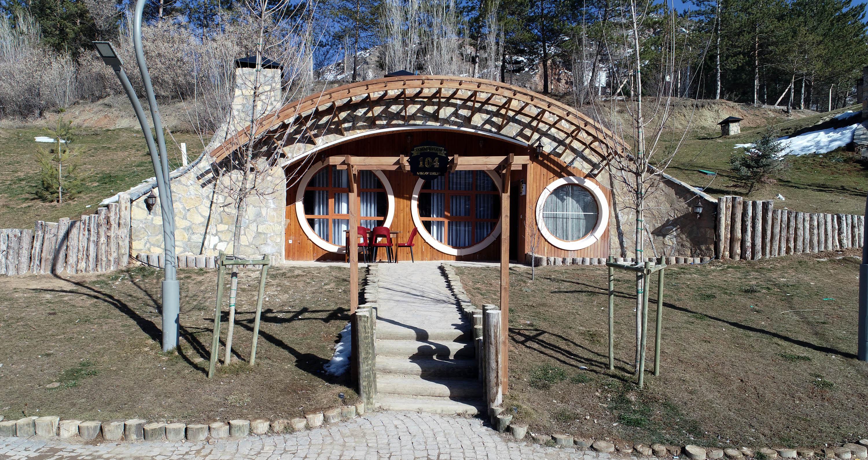 Yüzüklerin Efendisi Sivas! 'Hobbit Evleri' Hizmete Açıldı