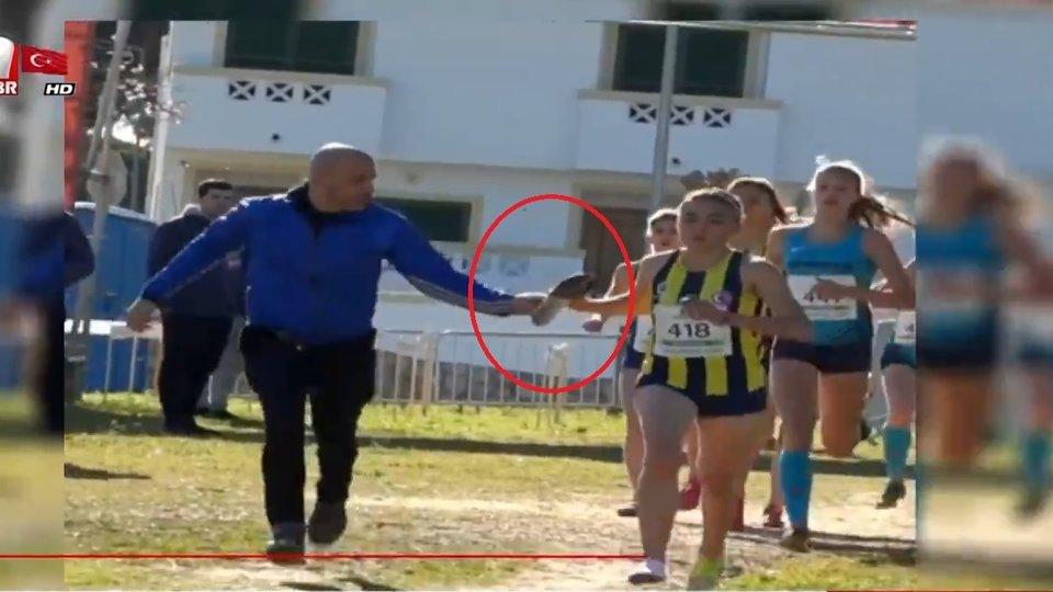Tek Ayakkabıyla Avrupa Şampiyonluğuna: Emine Akbingöl, Portekiz'de Düzenlenen Şampiyonayı Tek Ayakkabı ile Kazandı!