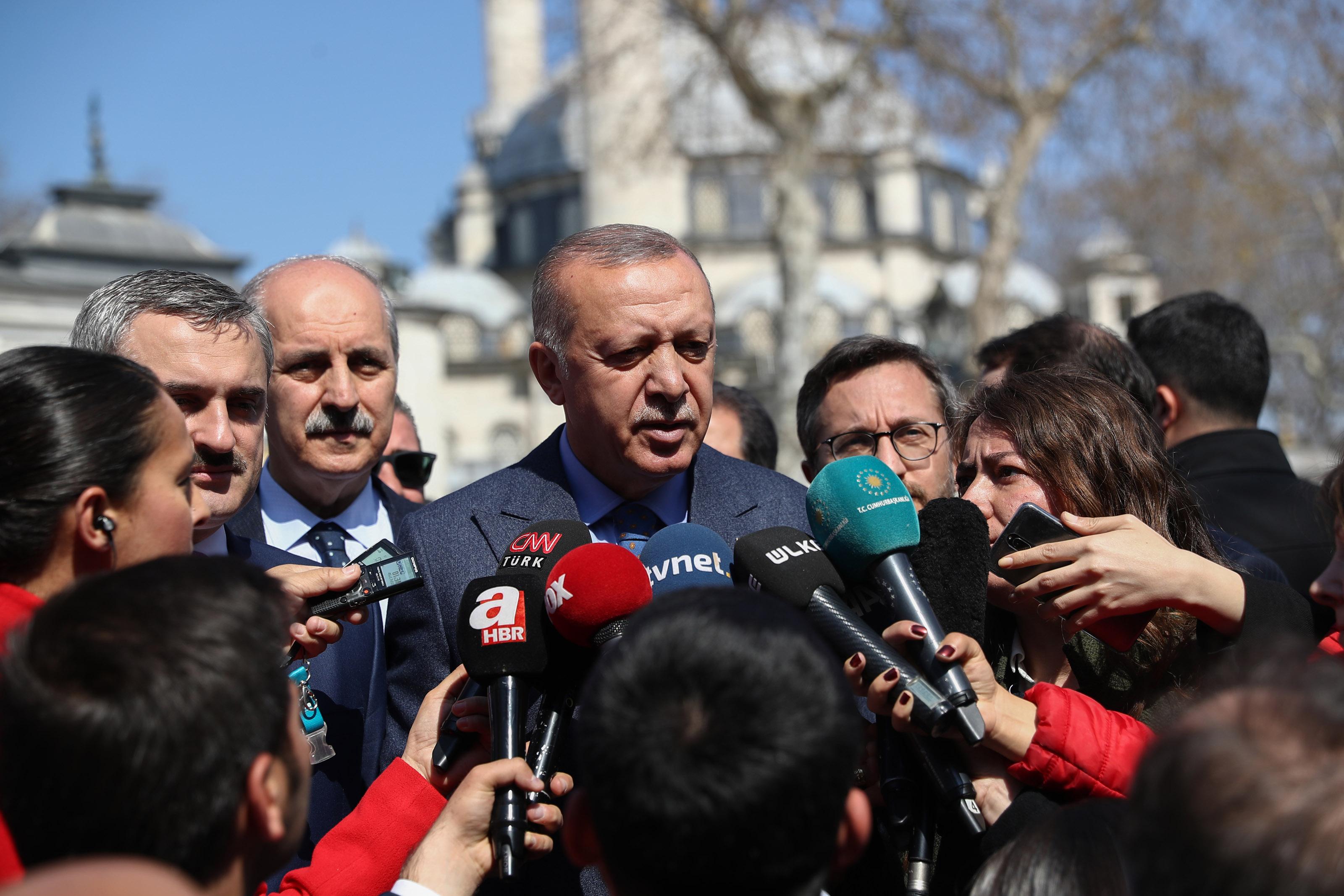 Erdoğan, İmamoğlu'nun Anıtkabir Ziyaretine İlişkin 'Protokol' Vurgusu Yaptı: 'Milli Savunma Bakanlığı Defteri Oradan Çekti, Aldı'