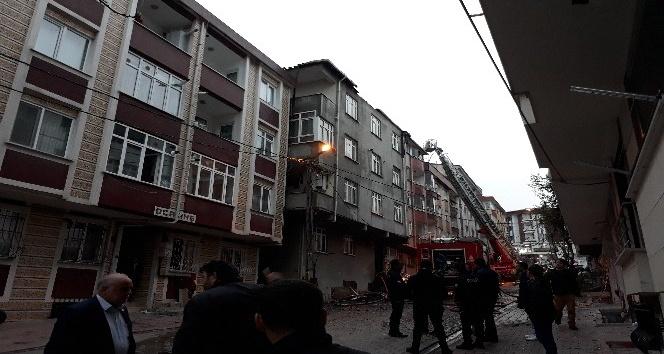 Esenyurt'ta korkutan çatı yangını