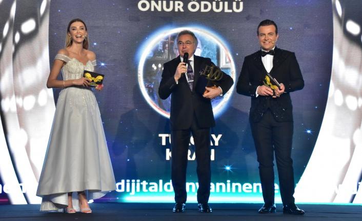 Yılın en iyi spor adamı onur ödülü: Turgay Kıran seçildi.