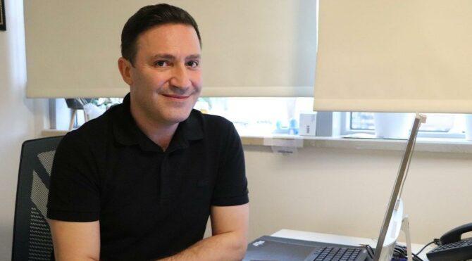 8 bin hastayı iyileştiren profesör de coronaya yakalandı