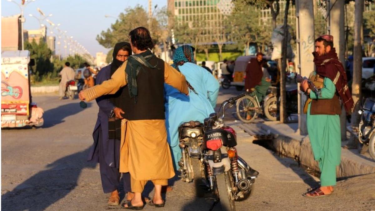 AB ve İngiltere, Taliban'ı Afganistan'ın yeni hükümeti olarak tanımayacaklarını açıkladı