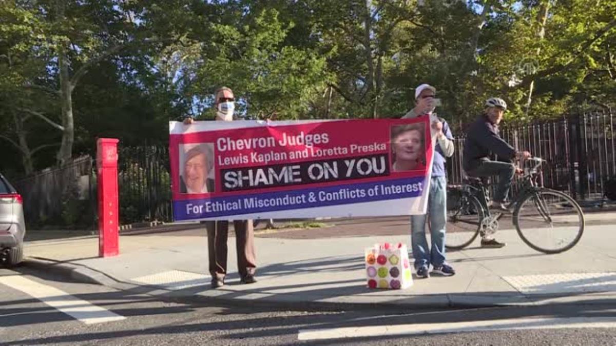 ABD'li enerji şirketi Chevron'un, avukat Steven Donziger'e karşı açtığı dava protesto edildi
