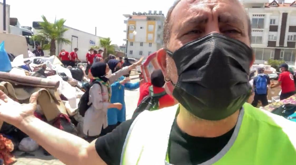 AHBAP Başkanı Haluk Levent Uyardı: 'Kafanıza Göre Yardım Kamyonu Göndermeyin'