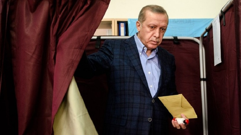 AKP'li Şen: 'Anketler Üzerinden Algı Operasyonu Yapıyor, Oylarımız Yüzde 40'ın Altına Düşmüyor'