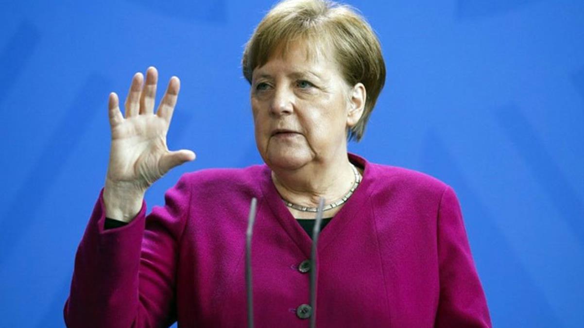 Almanya Başbakanı Merkel, birçok ülkenin kullanımını durdurduğu AstraZeneca aşısı oldu