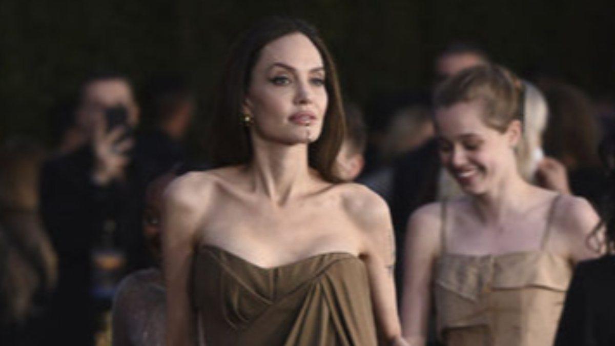 Angelina Jolie, çocuklarıyla galada