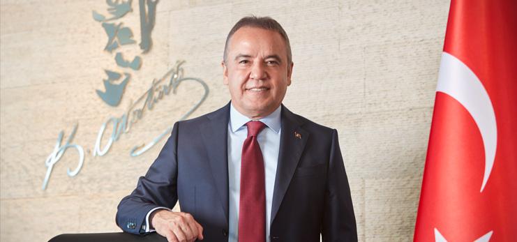 Antalya Büyükşehir Belediye Başkanı Böcek, Koronavirüse Yakalandığını Açıkladı