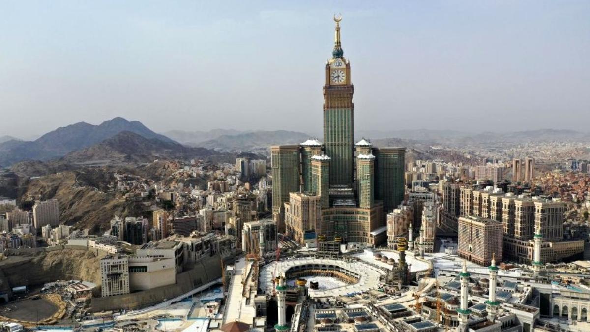 Arabistan halkı istedi, yönetim harekete geçti! Cami hoparlörlerinin sesi sınırlandırıldı