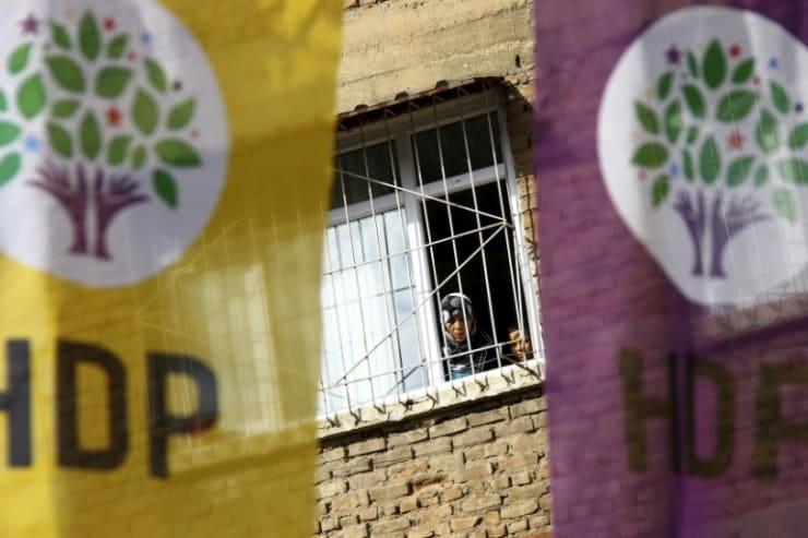 Aralarında HDP'li Yöneticiler de Var: 40 İlde 718 Kişi Gözaltına Alındı