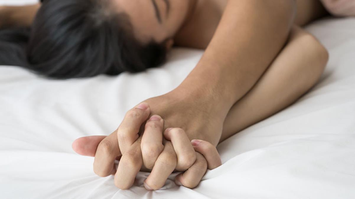 Arkadaşının düğününde sağdıçla cinsel ilişkiye giren kadın kalp krizi geçirdi