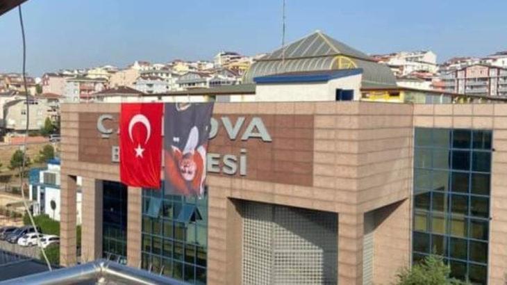 Atatürk Posterini Ters Asan AKP'li Belediye CHP'yi Suçladı