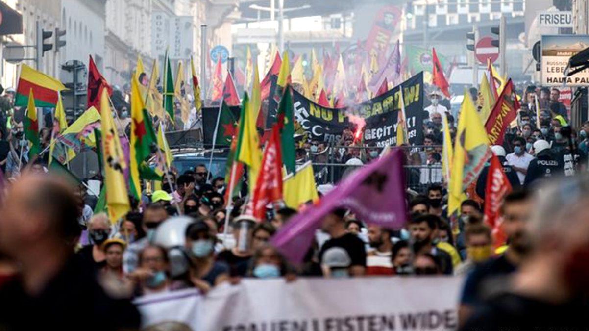 Avrupa'nın göbeğinde büyük kriz! PKK'lılarla bir olan polis, Türklere saldırdı