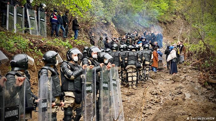 Bakan Karaismailoğlu, İkizdere'de Büyük Resmi Gördü: 'Çevre Hassasiyeti Değil, Sıkıntıları Ülkenin Kalkınması'