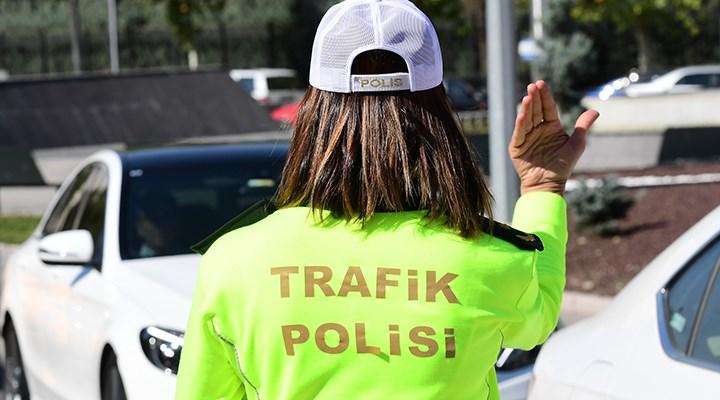 Bakanın Ziyareti Sırasında Maske Takmayan Trafik Polislerine Ceza Kesildi