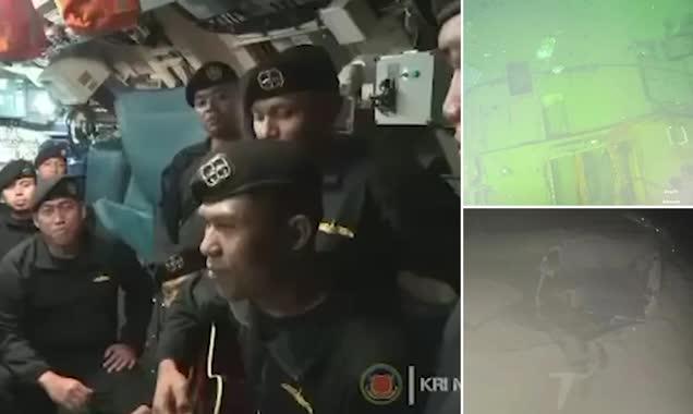 Batan Denizaltıda Hayatını Kaybeden Askerlerin Görüntüsü Paylaşıldı: Gitar Çalıp 'Elveda' Şarkısı Söylemişler
