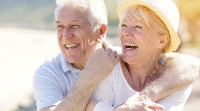 Bilim insanları duyurdu: Yaşlanmayı tersine çevirdik