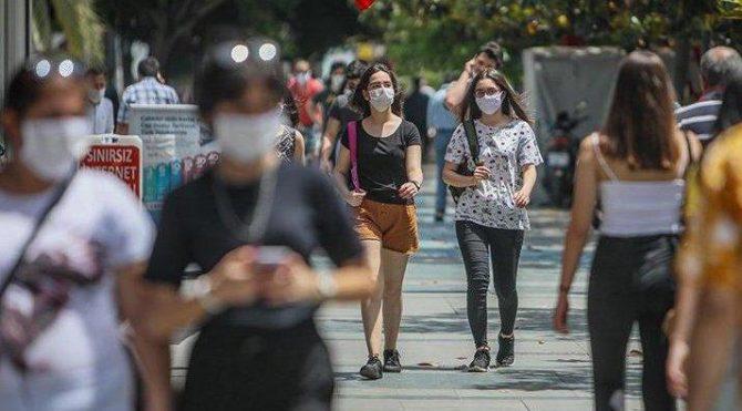 Bilim Kurulu üyesi Tezer'den gençlere uyarı: Dikkat etmiyorlar