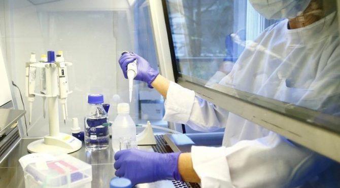 Bilim Kurulu üyesinden aşı açıklaması: Yılbaşı sonrasında aşının piyasada olma ihtimalinin yüksek