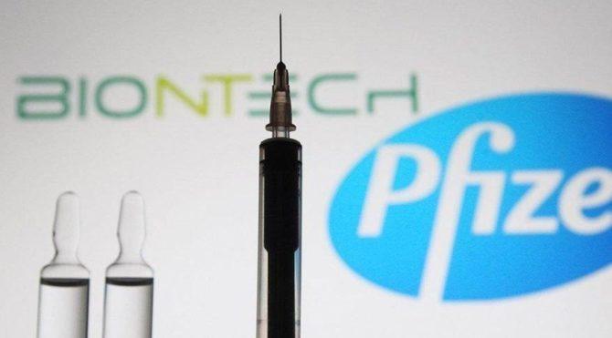 BioNTech / Pfizer aşısını olan Türk doçent yan etkilerini anlattı