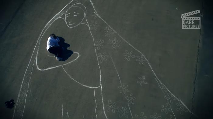 Bir Annenin Kucaklaşmasına Duyduğumuz Özlemi Anlatan Duygu Dolu Kısa Film: Mother