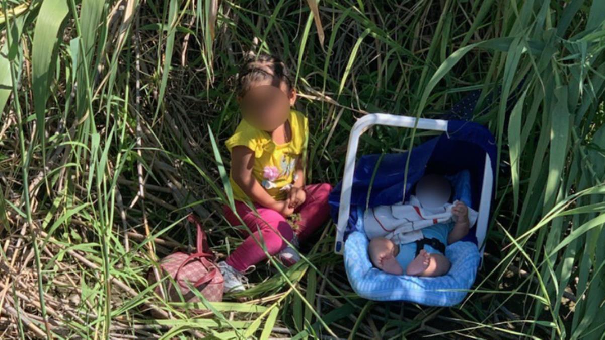 Biri 3 aylık, diğeri 2 yaşında İki kardeşi nehir kenarına terk edip gittiler