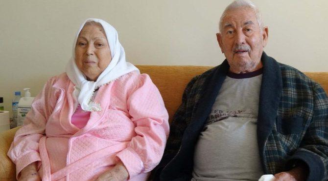 Biri 92, diğeri 82 yaşındaki çift, coronayı yendi