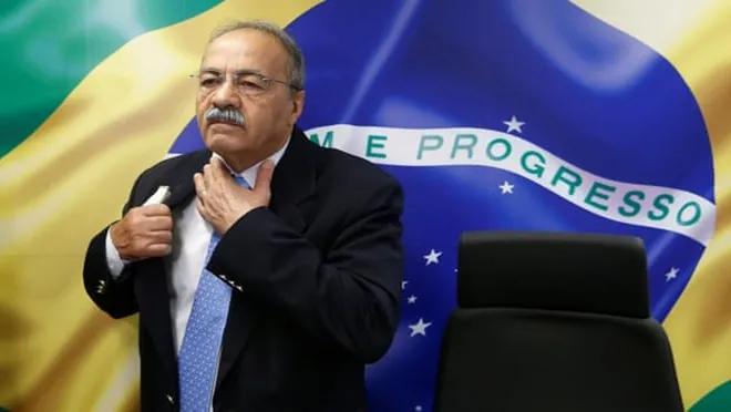 Bolsonaro'nun Sağ Kolu Olan Senatör, İç Çamaşırında 30 Bin Realle Yakalandı