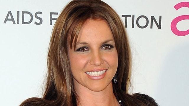 Britney Spears'tan sevenlerini üzen haber