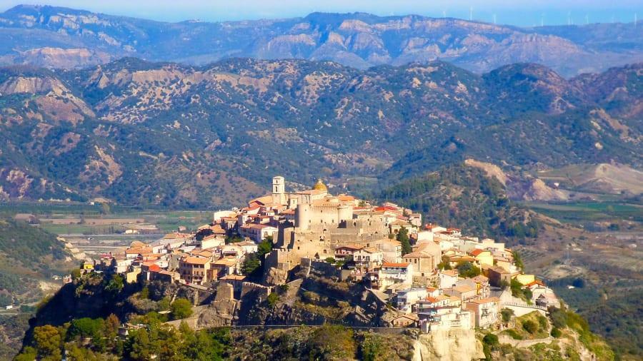 Bu İtalyan Köylerine Taşınana 28 Bin Euro Para Verilecek